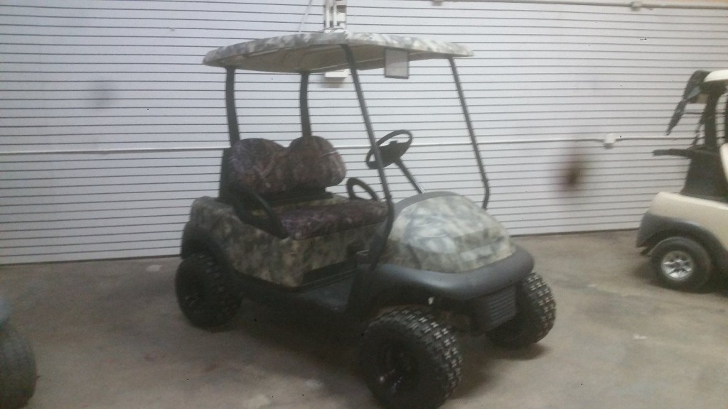 2007 Club Car lifted golf cart