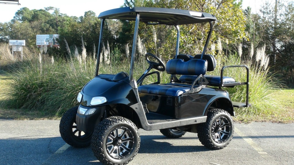 EZGO RXV GAS GOLF Cart/ Refurbished Custom / 4 Passenger / Lifted / Custom SEATS