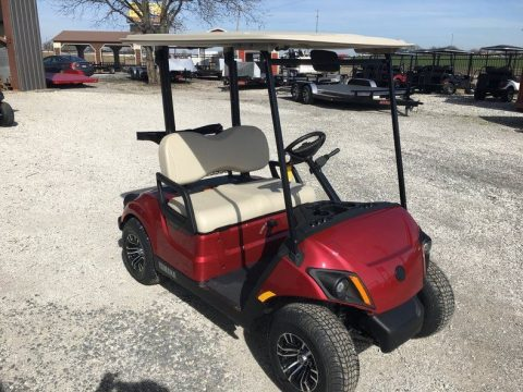 Battery powered 2017 Yamaha Golf Cart for sale
