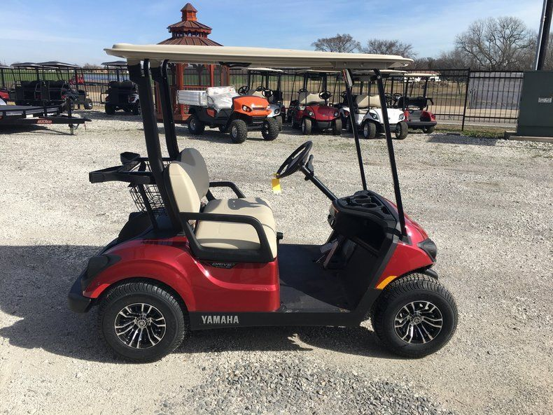 221383535799 likewise Img 3382 also Battery Powered 2017 Yamaha Golf Cart as well 2011 Yamaha Drive Gas Golf Cart together with Low Miles 2014 Cadillac Escalade Golf Cart. on yamaha golf cart batteries