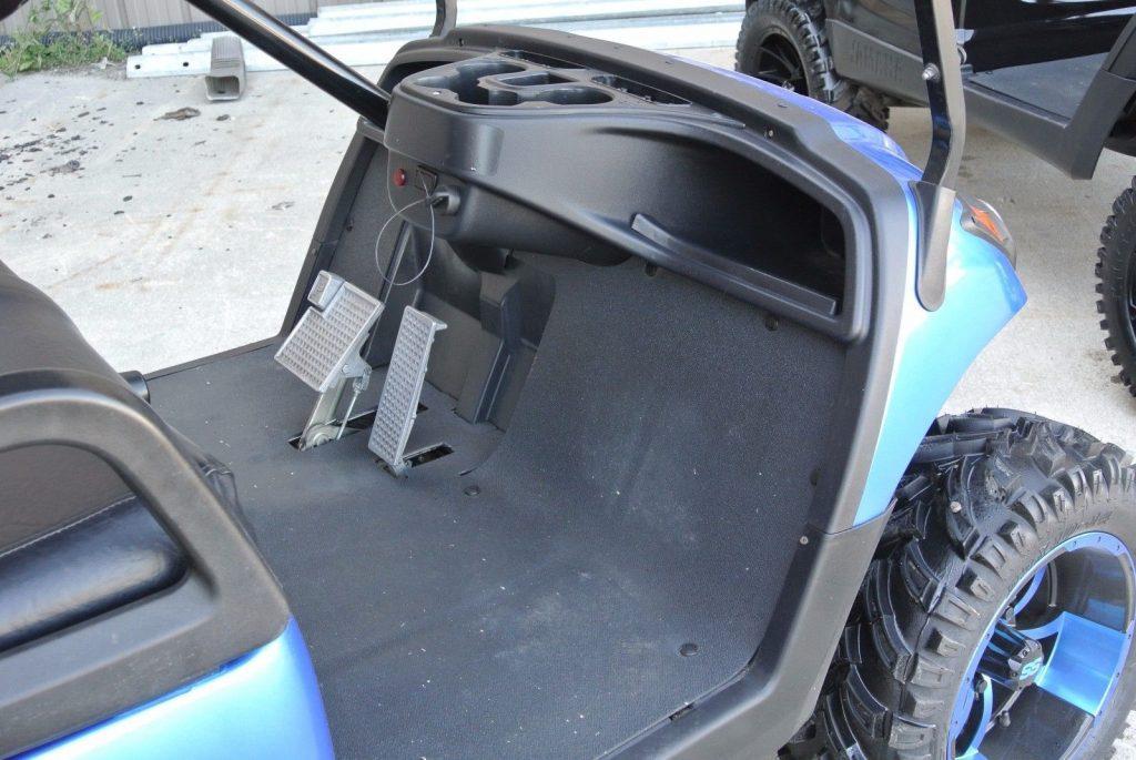 Custom painted 2012 Yamaha Drive GAS GOLF CART