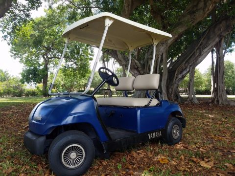 good shape Yamaha gas golf cart for sale