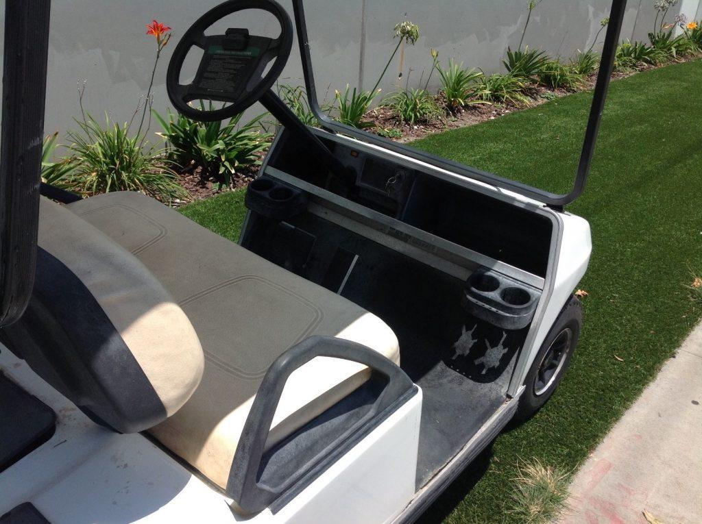 drives good 2007 Club car golf cart 48 volt