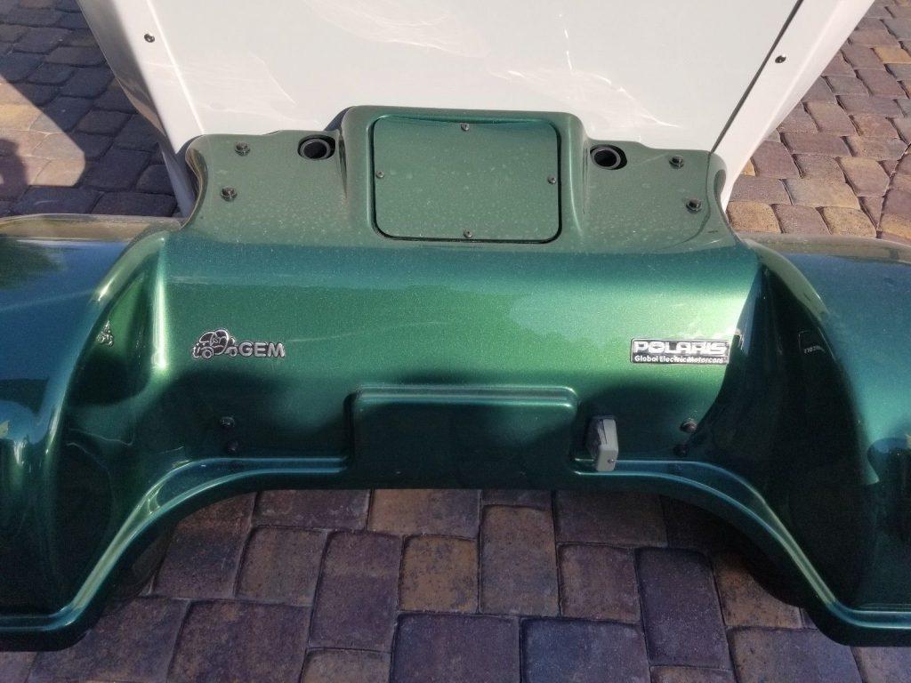 immaculate 2011 GEM E4 Polaris golf cart