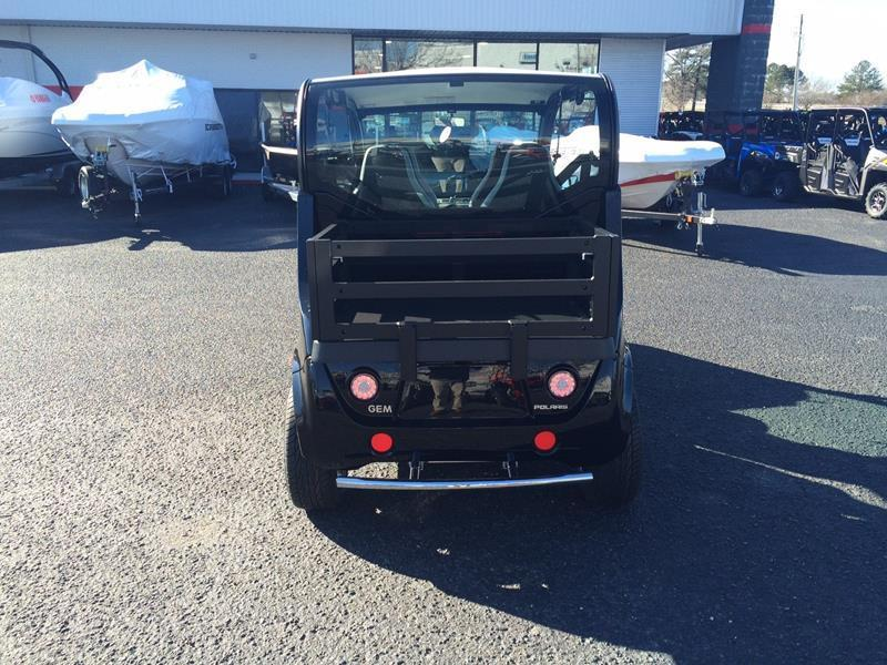 clean 2016 GEM E4 golf cart