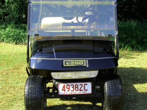 excellent condition 2004 EZGO Golf Cart for sale