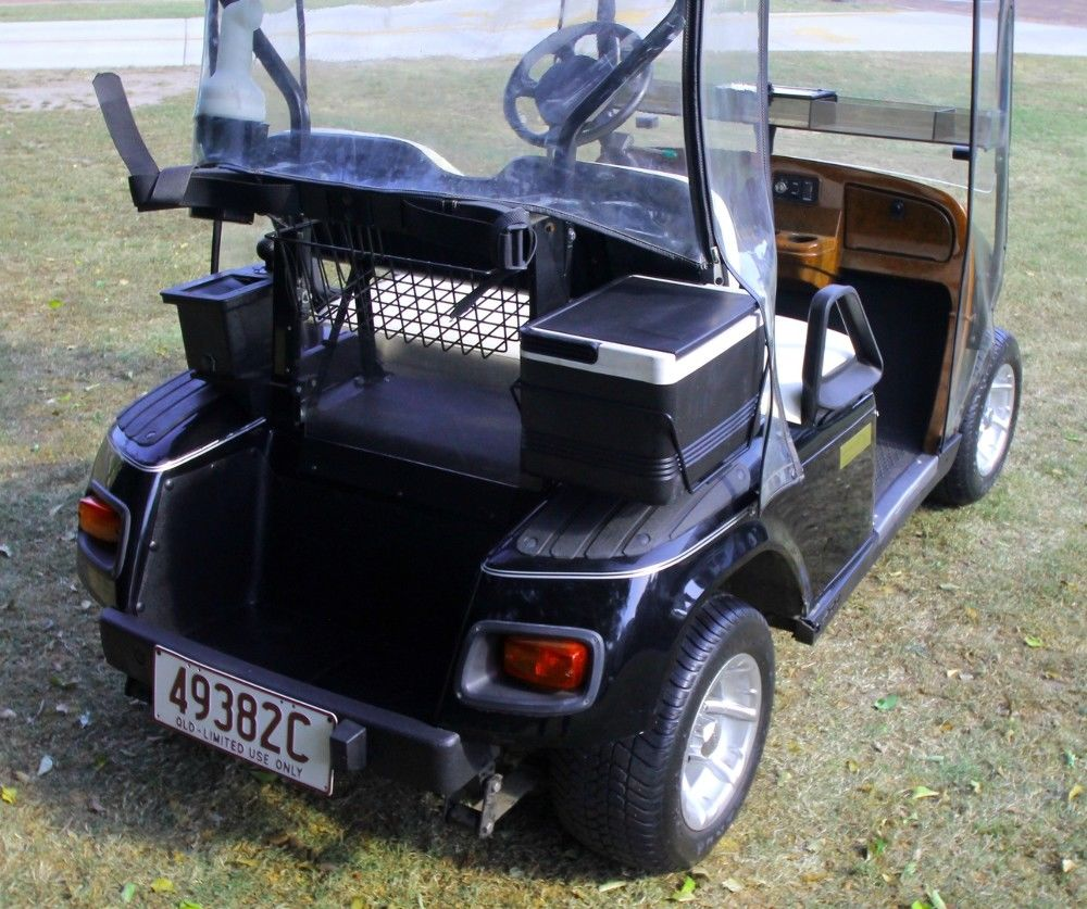 excellent condition 2004 EZGO Golf Cart