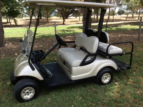 EXCELLENT CONDITION 2011 Yamaha GOLF CART for sale