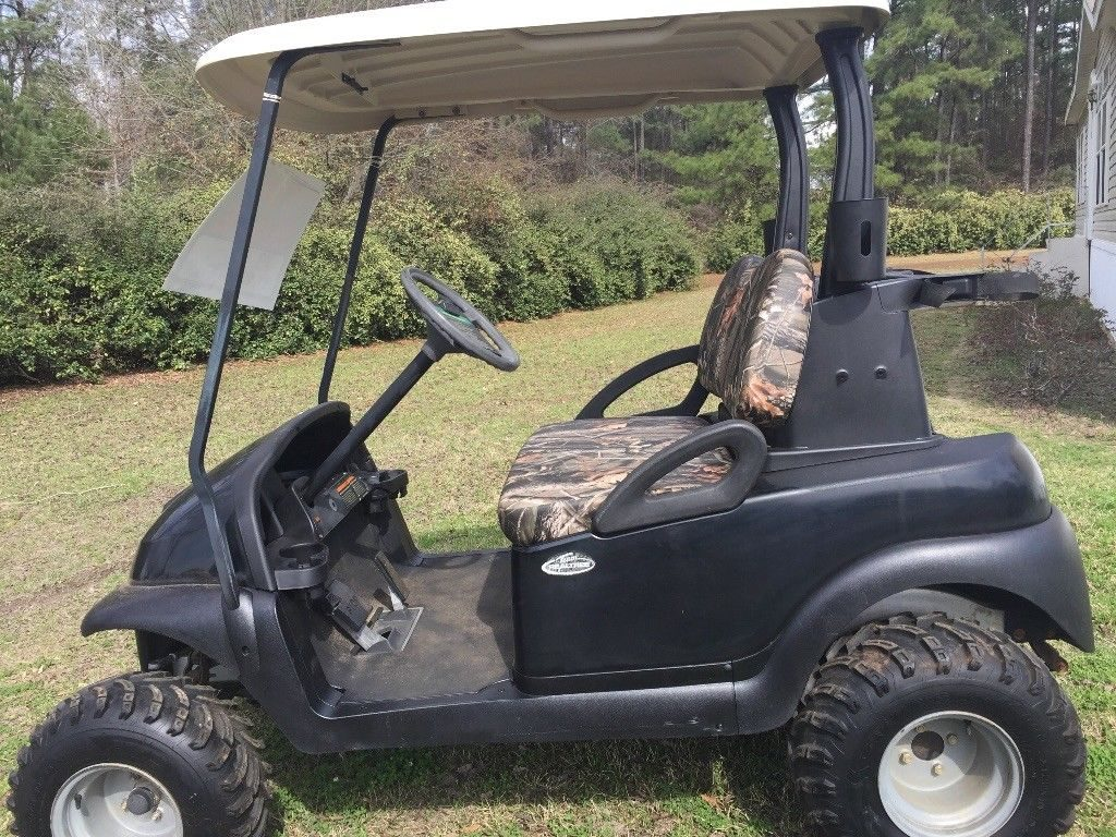 wonderful condition 2006 Club Car 48 volt Precident golf cart