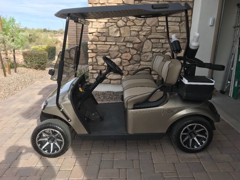 Excellent condition 2014 EZGO golf cart