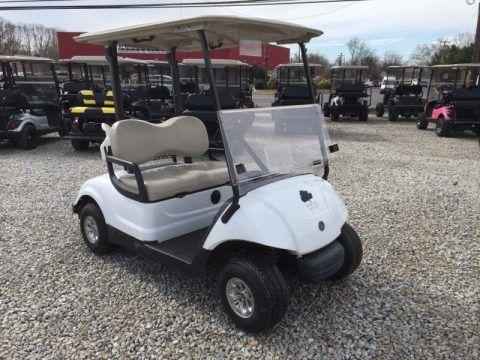 great shape 2014 Yamaha golf cart for sale