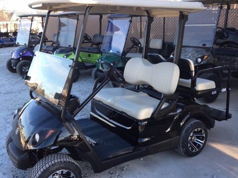 great shape 2009 Yamaha golf cart for sale