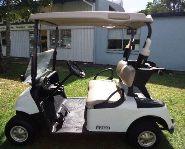 very good shape 2014 EZGO RXV golf cart