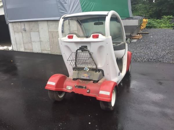 good shape 2002 Gem Two Passenger Golf Cart