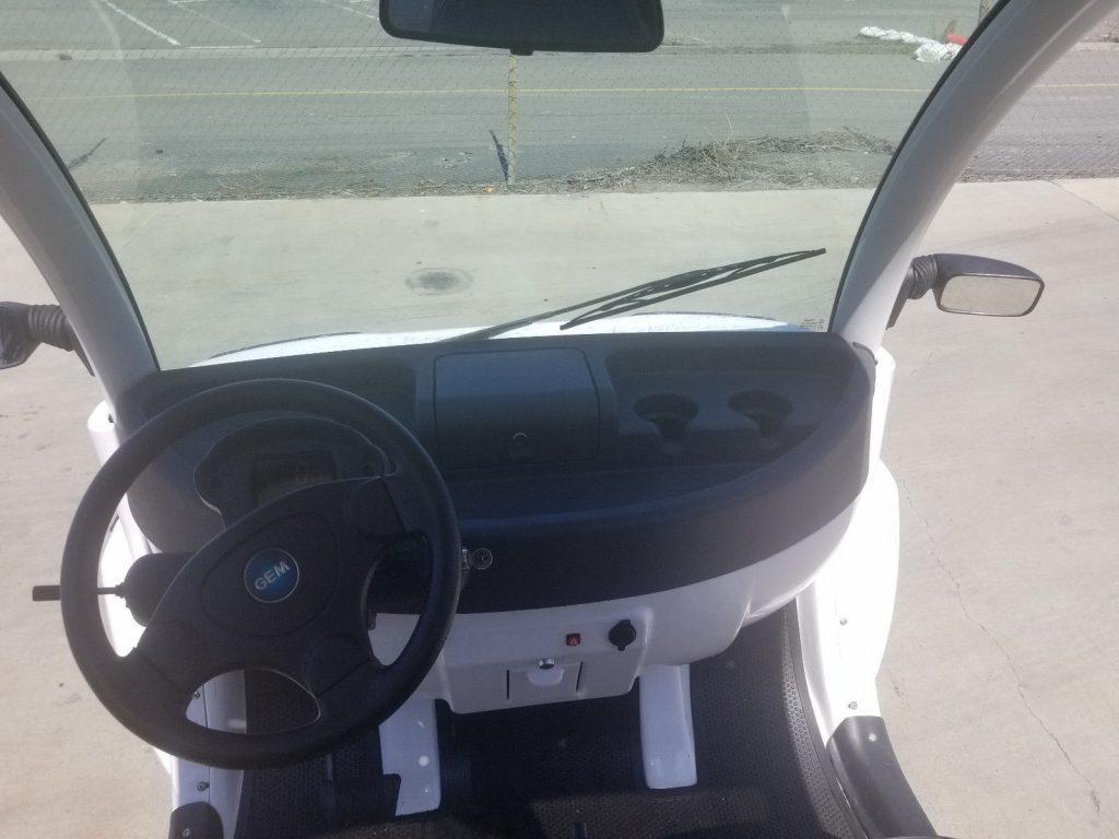 great shape 2015 Polaris Gem E6 Utility golf cart
