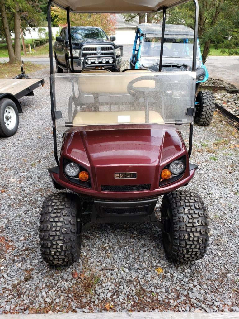 mint 2018 EZGO Express golf cart
