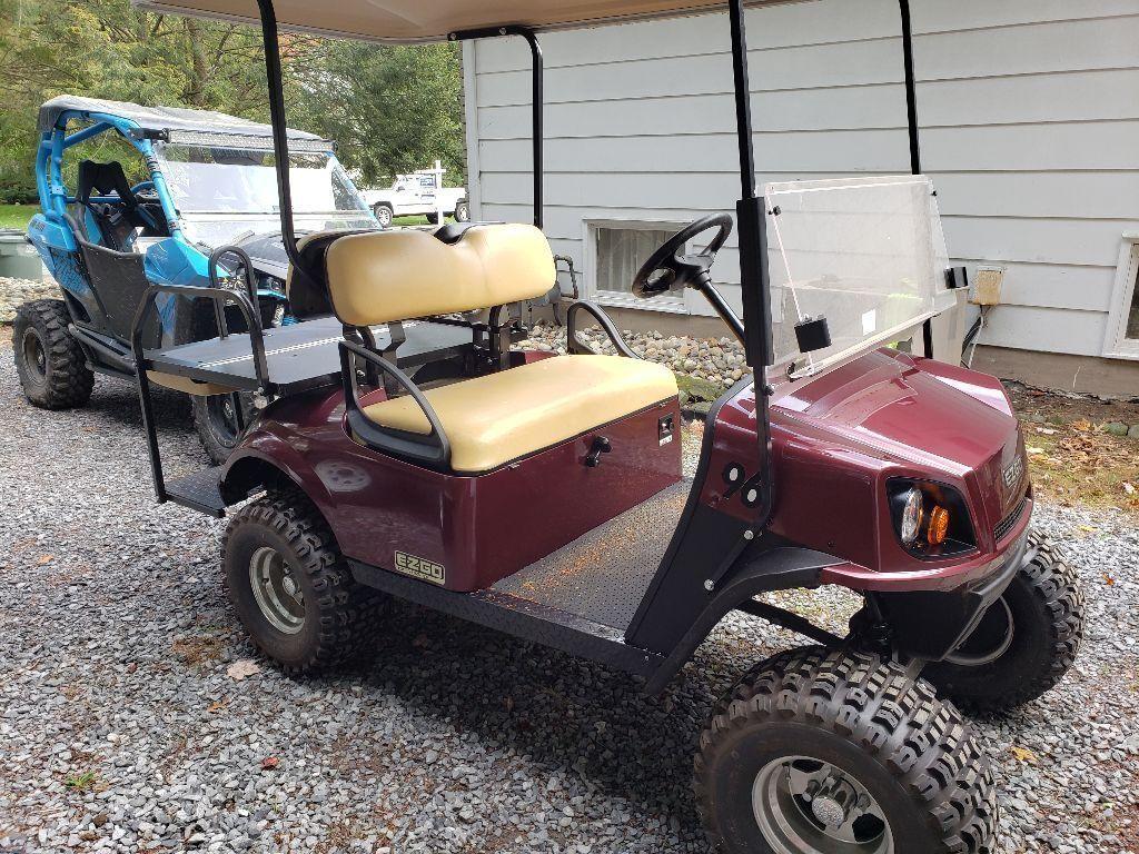mint 2018 EZGO Express golf cart