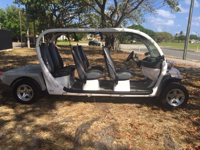 good running 2010 GEM E6 golf cart