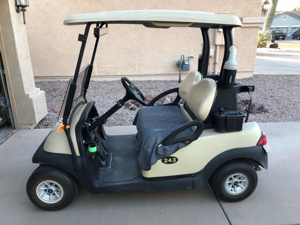 good shape 2008 Club Car Electric Golf Cart