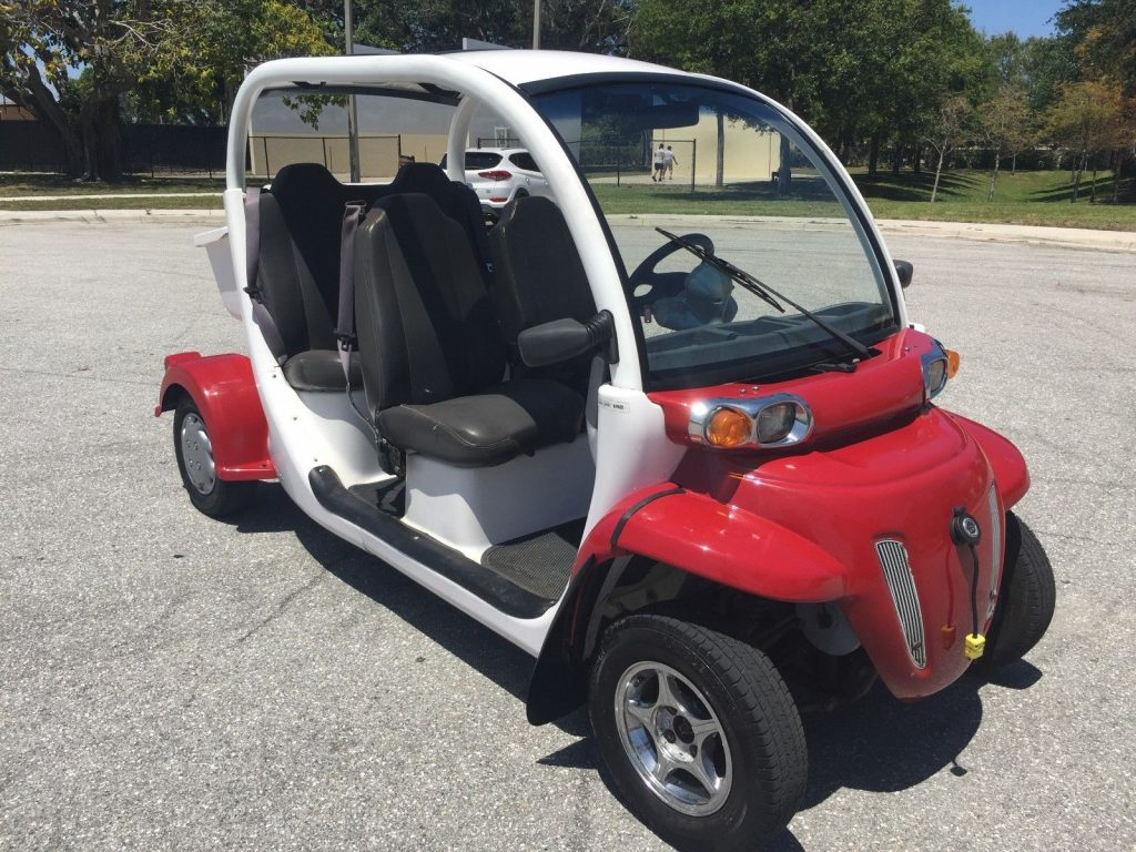 good running 2012 Chrysler Polaris gem E4 golf cart