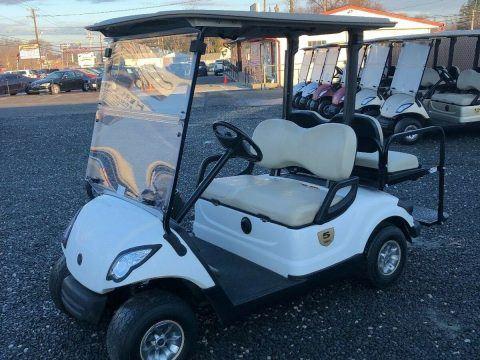 great shape 2016 Yamaha Electric golf cart for sale