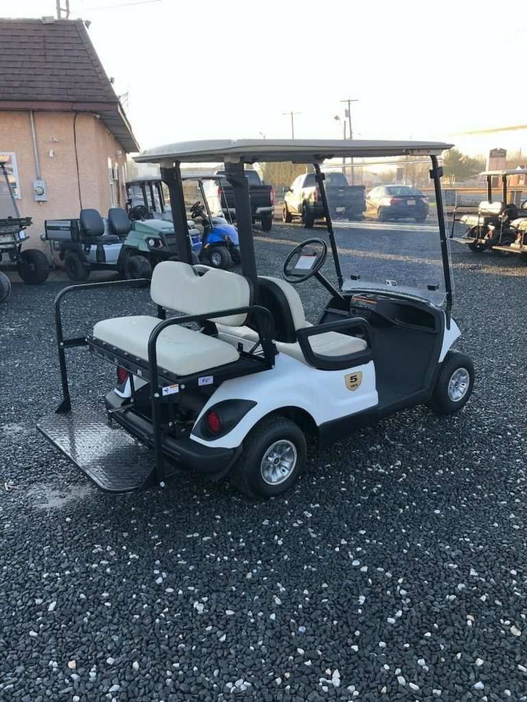 great shape 2016 Yamaha Electric golf cart