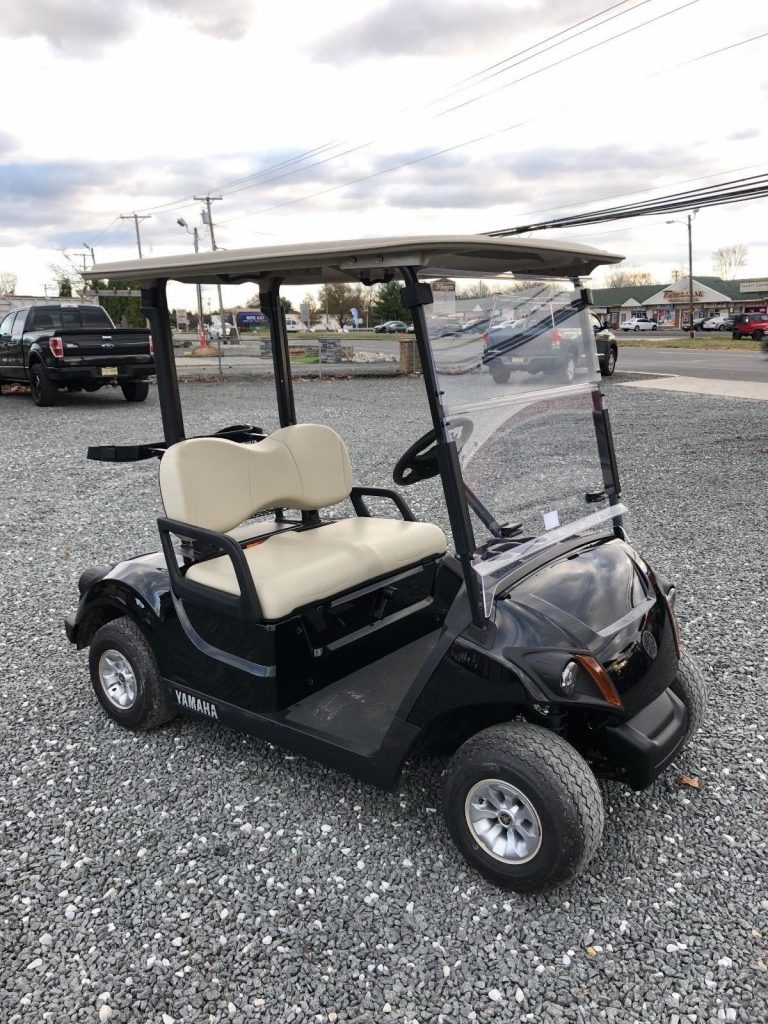 beautiful 2018 Yamaha Drive 2 gas golf cart