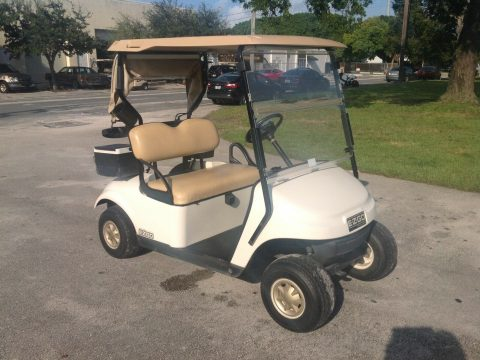 good shape 2016 EZGO golf cart for sale