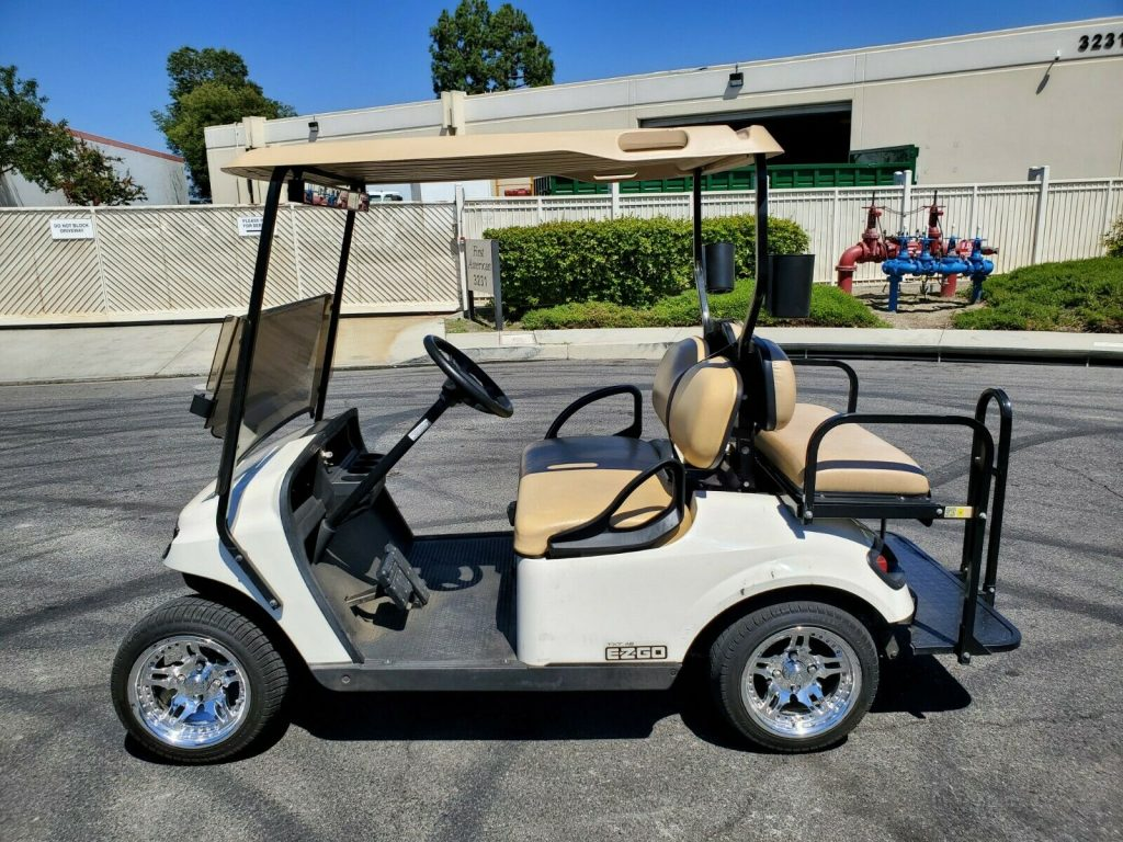 very nice 2016 EZGO golf cart