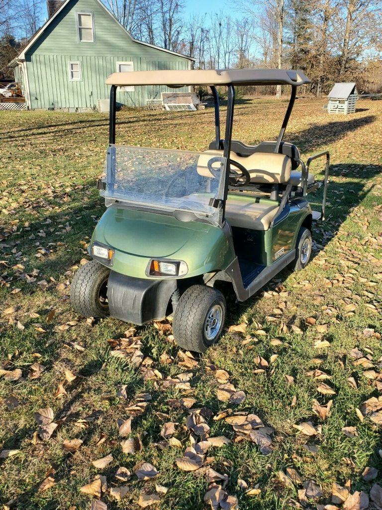 very nice 2016 EZGO RXV Golf Cart
