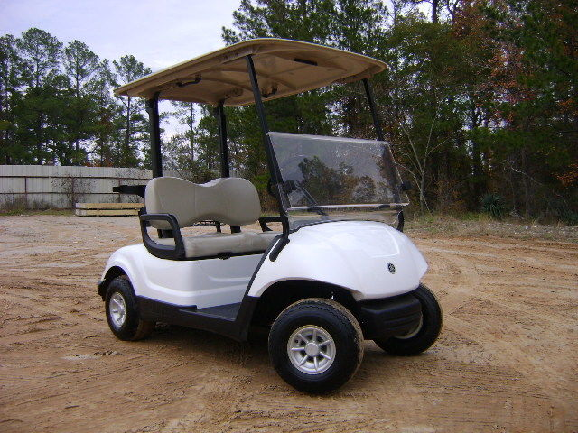 well equipped 2016 Yamaha Drive 48V Electric Golf Cart