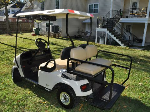 beautiful 2013 EZGO Golf Cart for sale