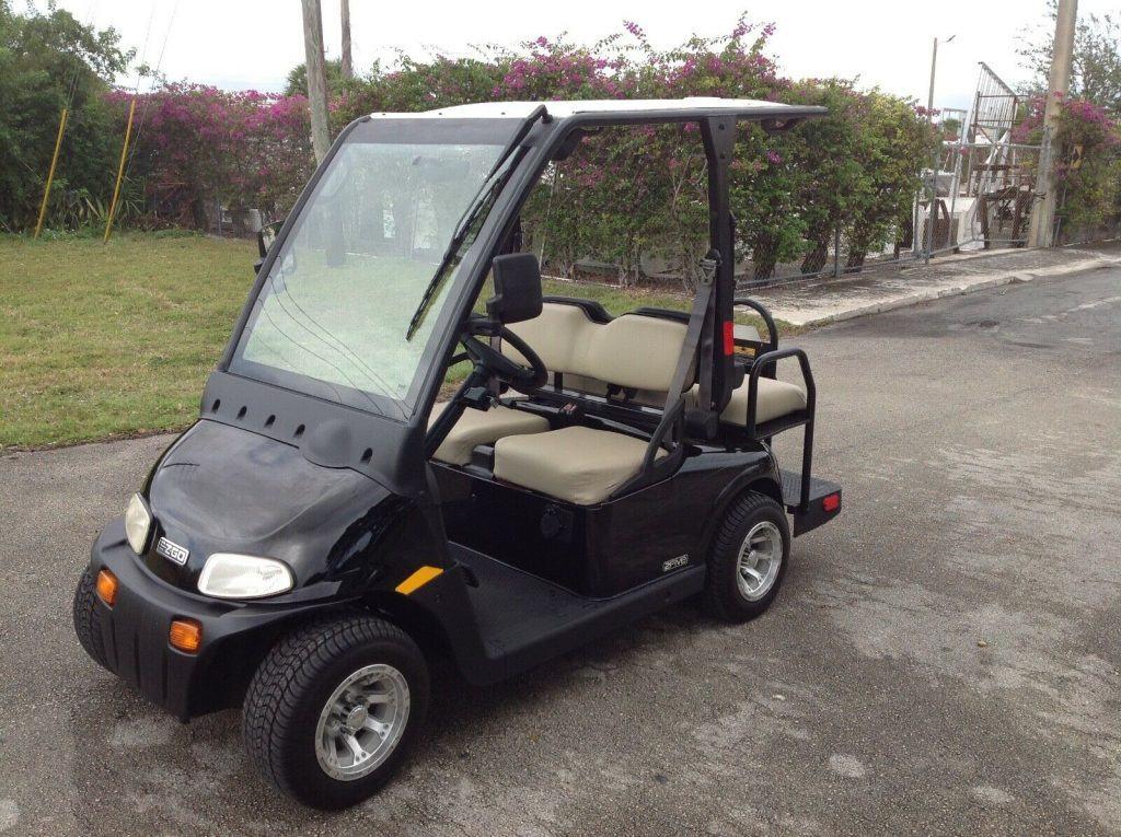 clean 2012 EZGO golf cart