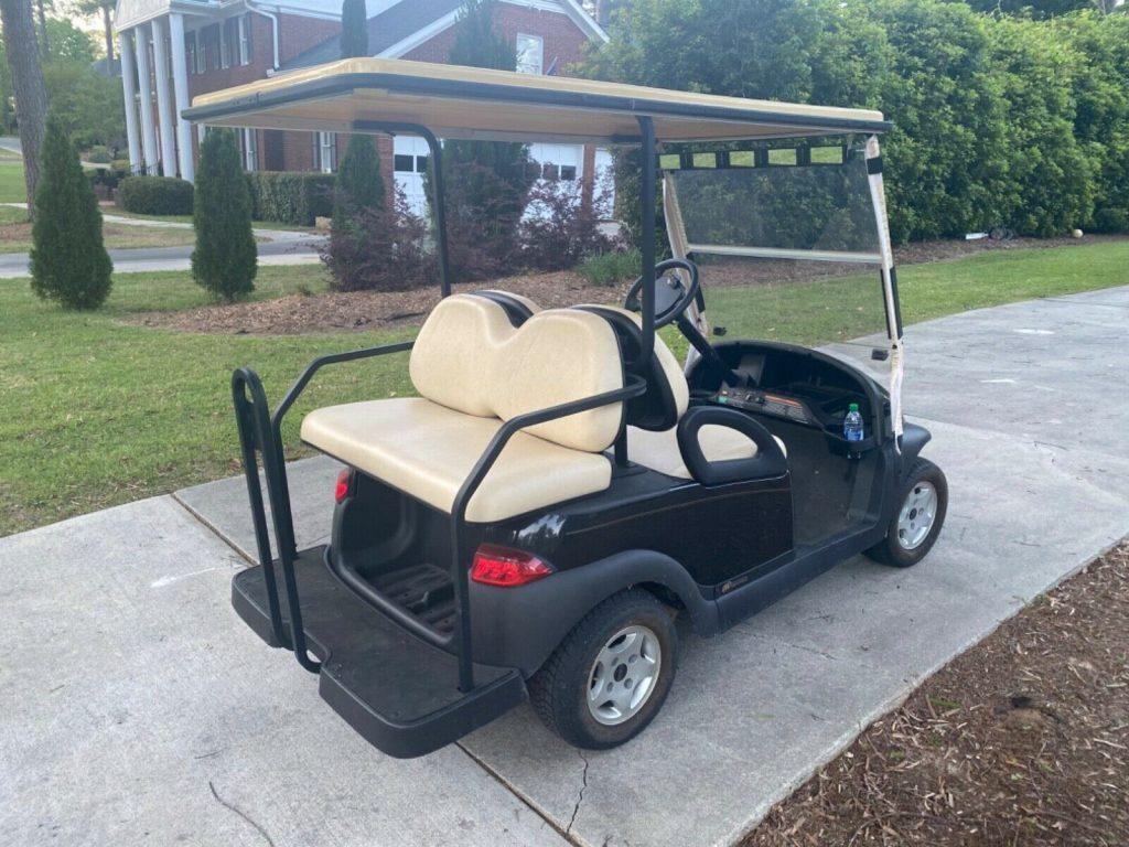 very nice 2008 Club Car Precedent Golf Cart