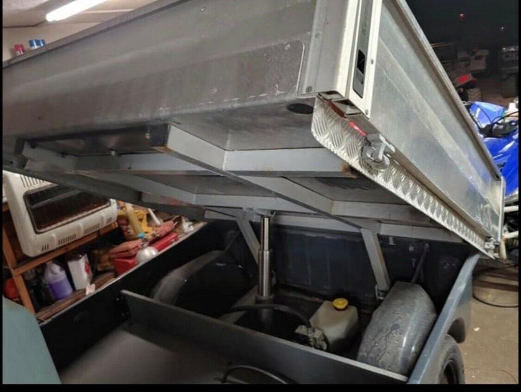 Dump Bed 2010 Columbia Parcar Golf Cart