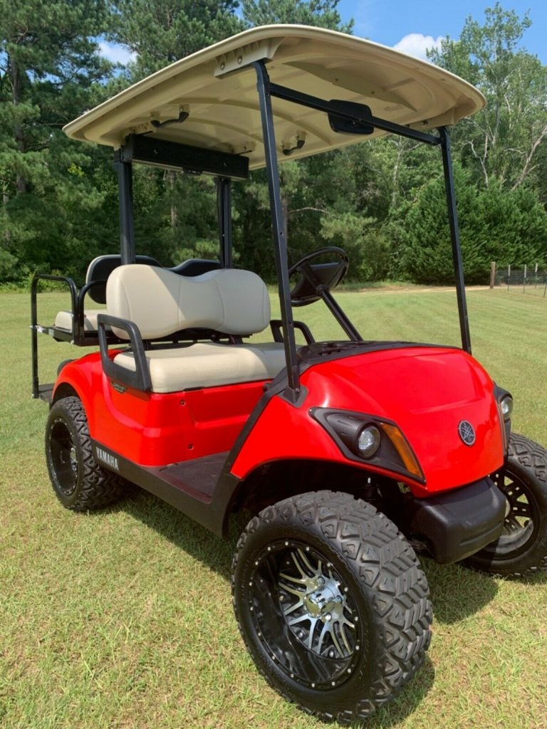 minor blemishes 2017 Yamaha Drive Gas Golf Cart