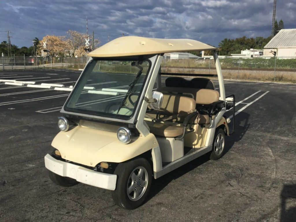 well equipped 2011 CT&T C zone golf cart